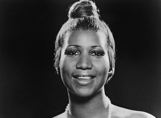Aretha Franklin 10 Iconic Hairstyles - Top Knot Bun