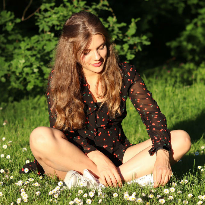 Top 5 Tips for Healthy-Looking Hair in Summer- Featured Image